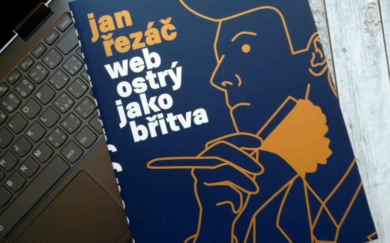 Kniha Web ostrý jako břitva a notebook